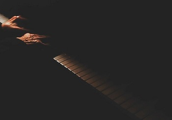 piano-1082062__340